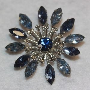 Jewelry - Vintage Blue Layered 3 Dimensional Glass Brooch